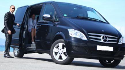 Особенности выбора микроавтобуса с водителем для встречи