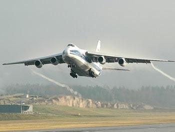 Авиаперевозки из СПБ: преимущества и нюансы