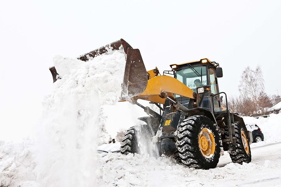 Уборка и вывоз снега: профессиональный подход